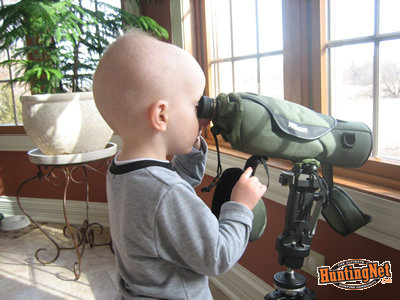 young-hunter-spotting-scope.jpg